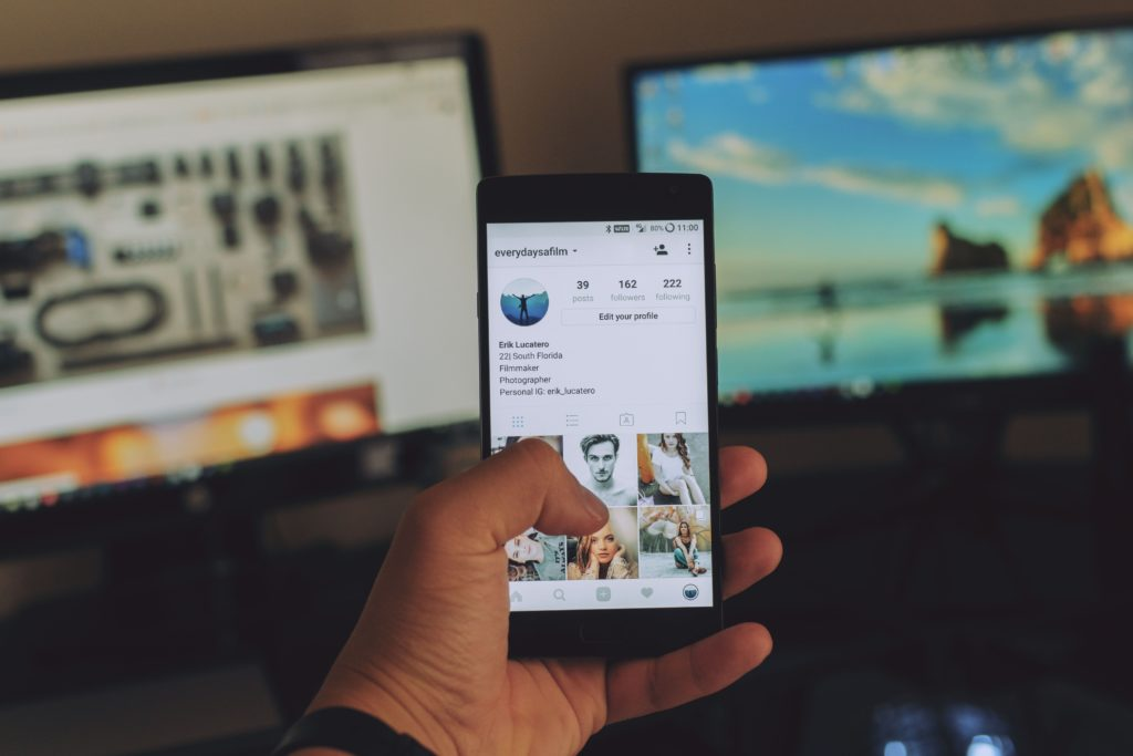 social media shopify tips